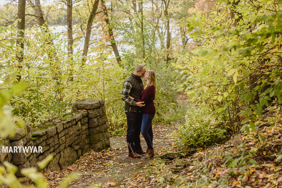 fall-toledo-engagement-photos-012