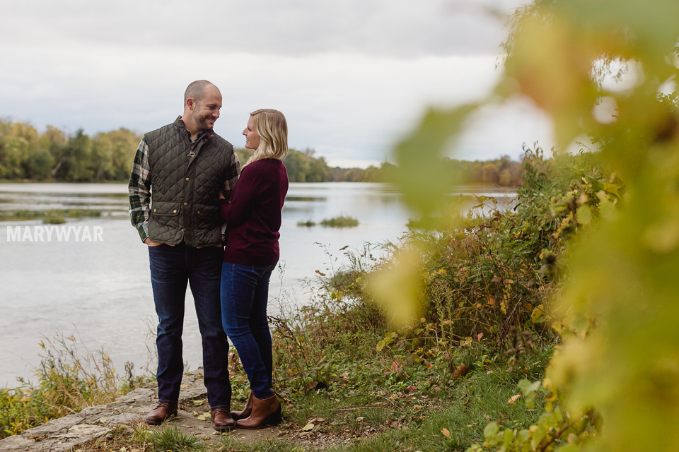 fall-toledo-engagement-photos-015