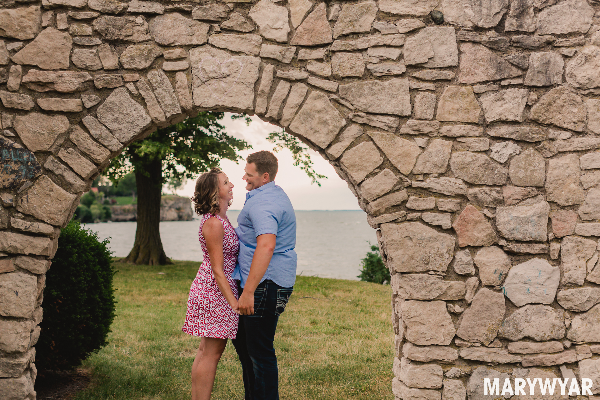 Catawba Island Cliffs engagement photos