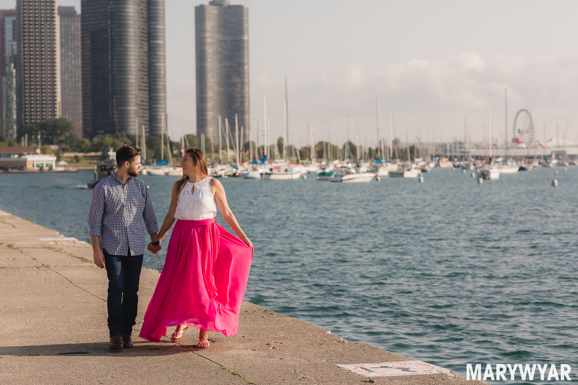 Chicago engagement photo lake michigan