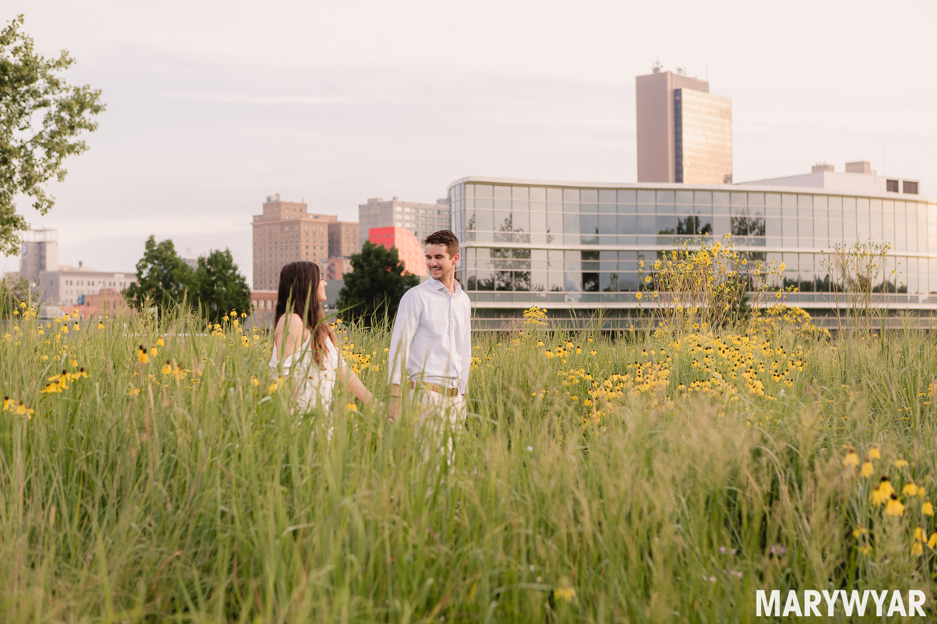 Downtown Toledo engagement photos