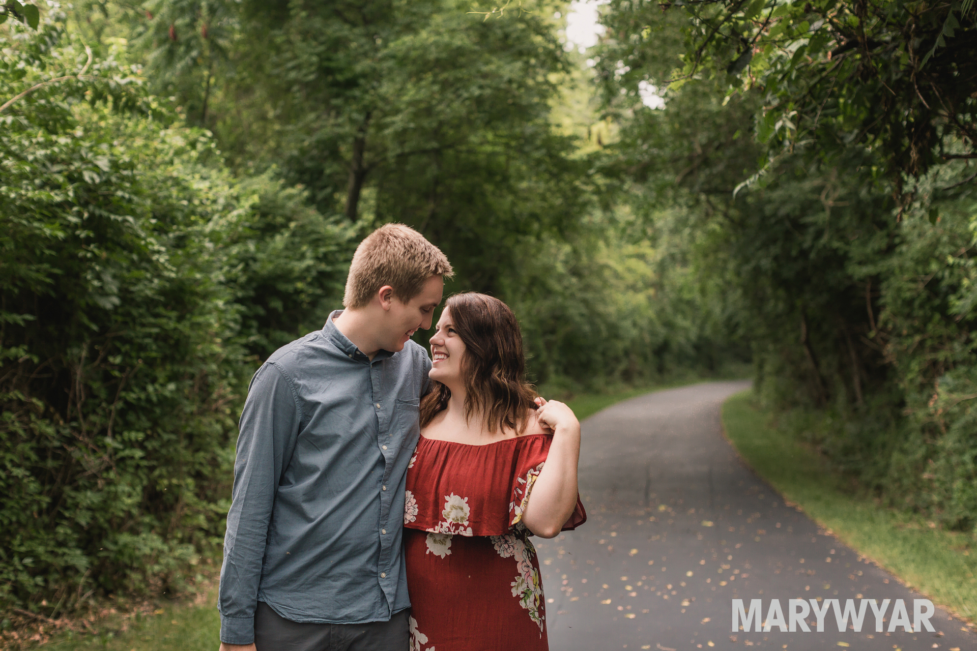 bowling green engagement photos wood county