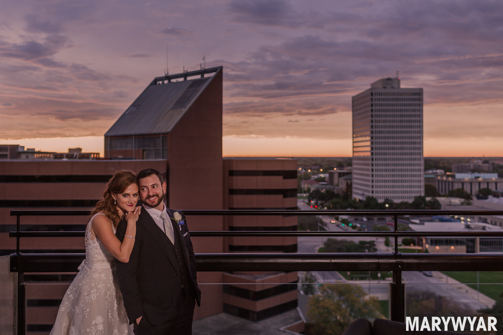 renaissance hotel downtown toledo wedding photos toledo