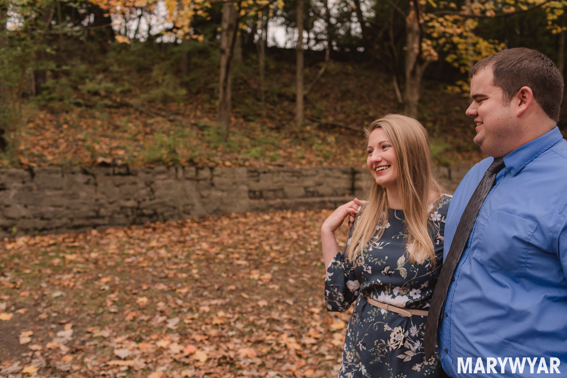 sidecut park maumee fall engagement photos