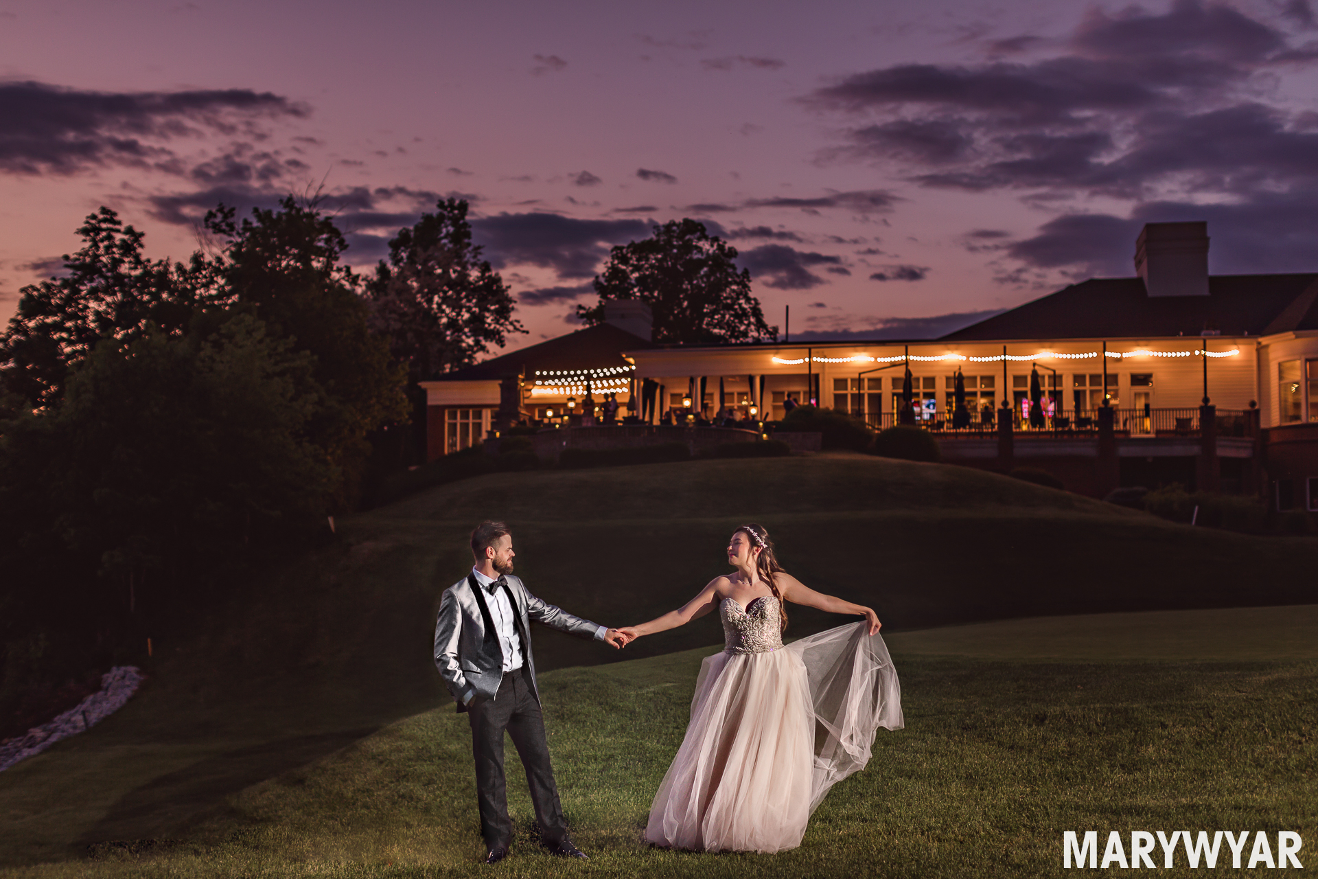 modern findlay wedding photographer country club photos width=