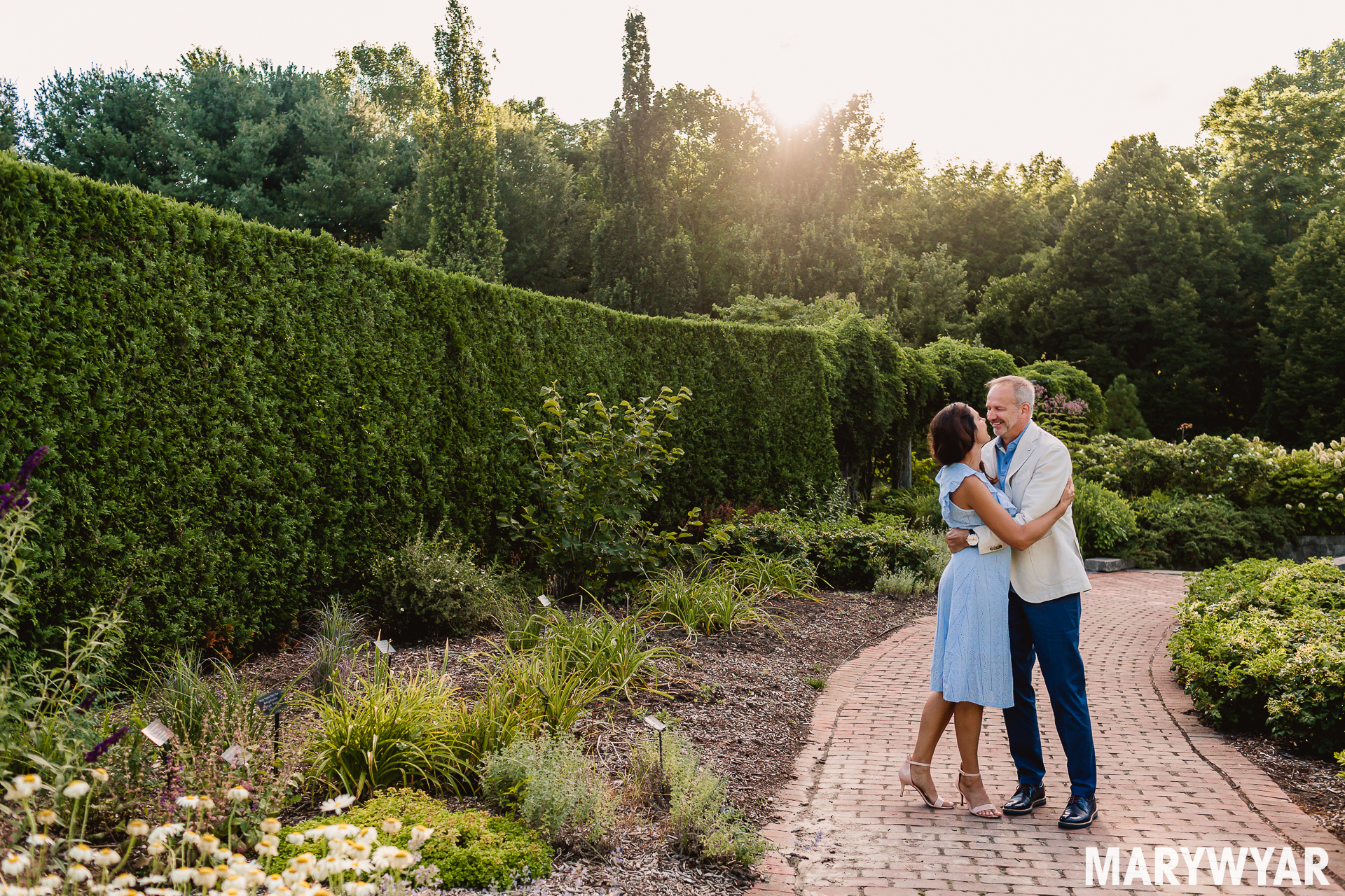 Toledo Botanical Gardens engagement photos