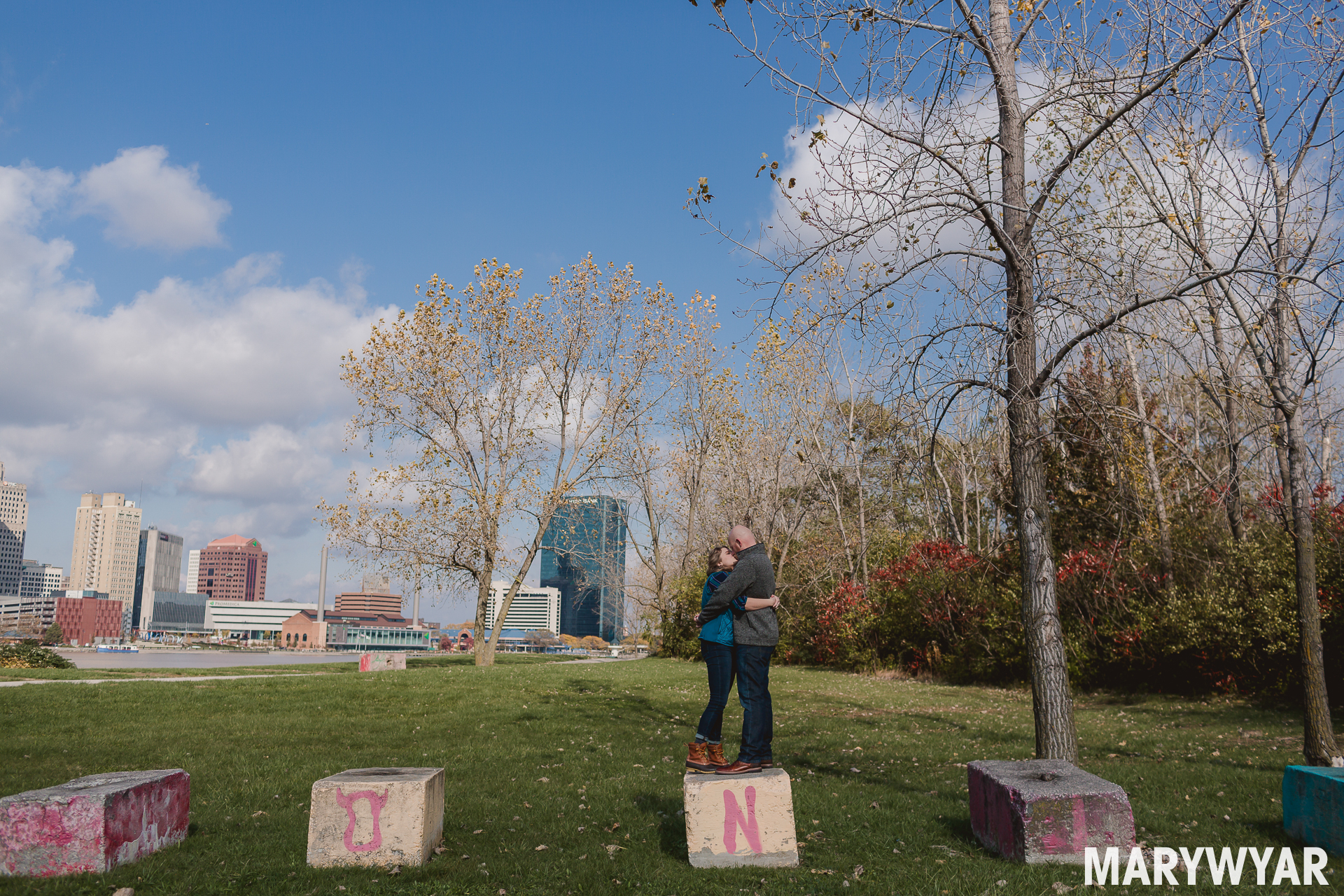downtown toledo fall engagement photos