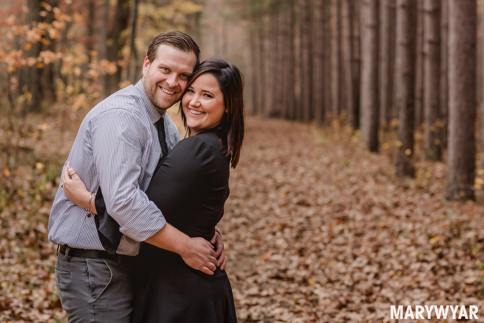 fall engagement photos toledo oak openings