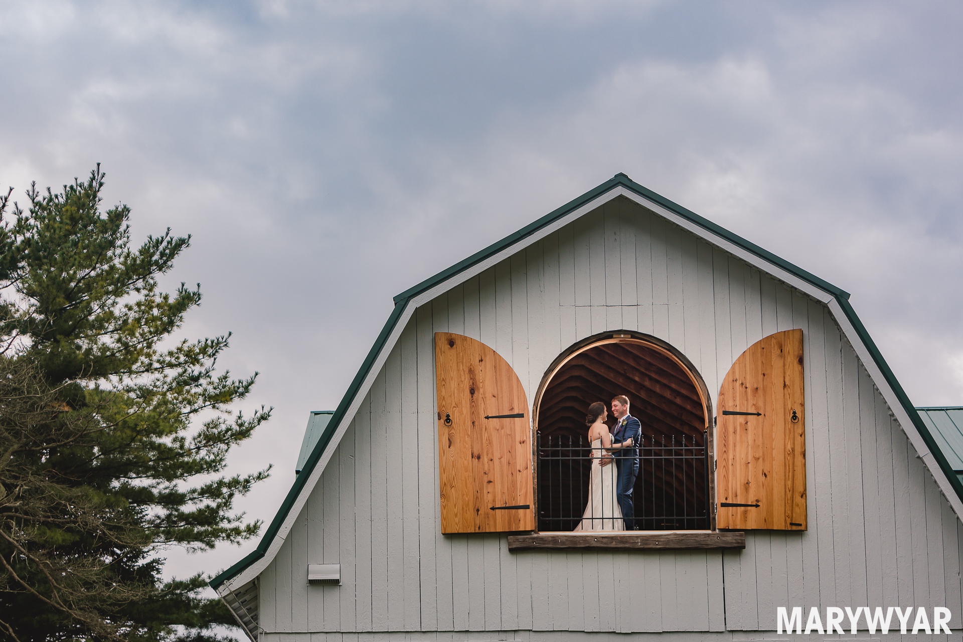 the stables whitehouse indoor ceremony wedding photos